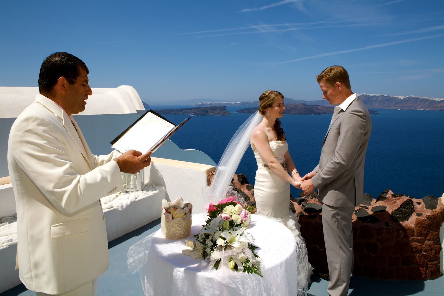 Astarte_Suites_in_Santorini_Weddings_11_2