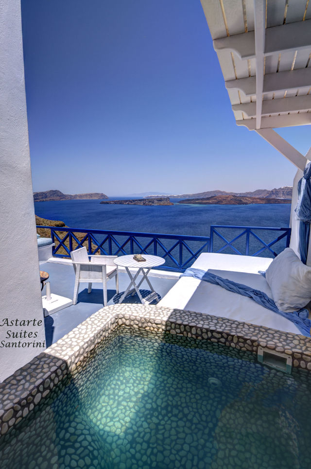 1_Executive_suite_private_open_air_Jacuzzi-_Astarte_Suites_in_Santorini