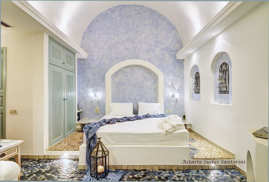 2_Executive_suite_private_open_air_Jacuzzi-_Astarte_Suites_in_Santorini