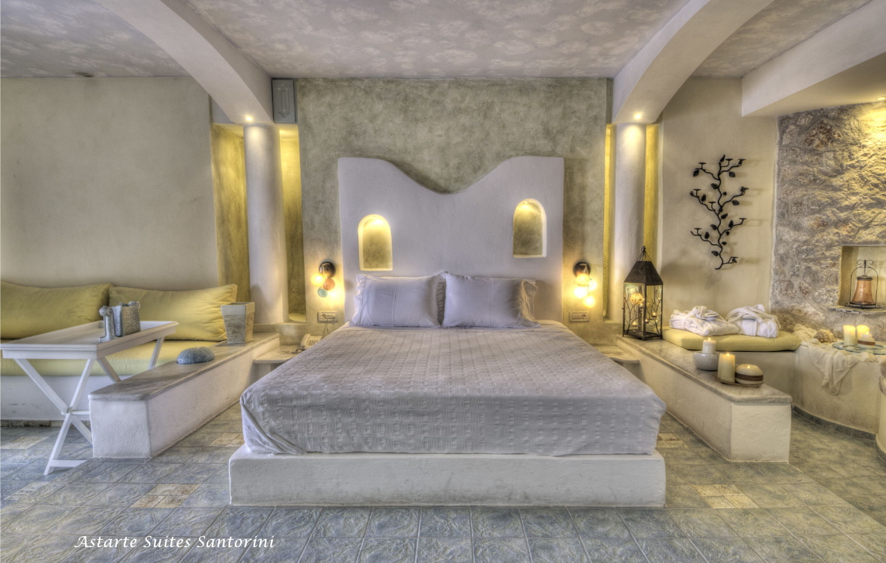 Honeymoon suite astarte suites luxury hotel in santorini for Chambre de luxe avec jacuzzi
