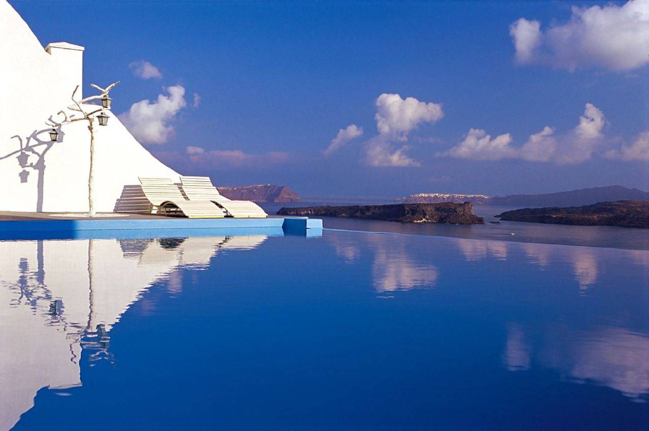 Astarte_Suites_Boutique_Hotel_Infinity_pool