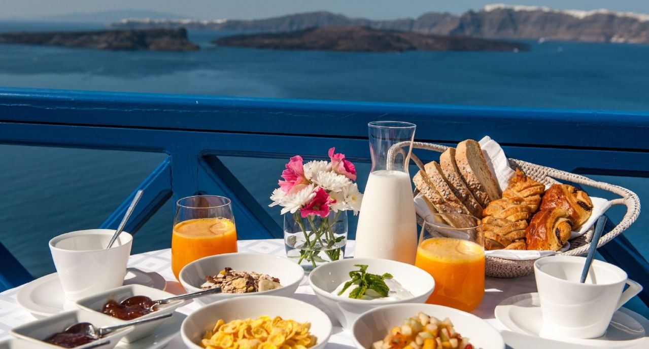 Astarte_Suites_Hotel_in_Santorini_island_Greece