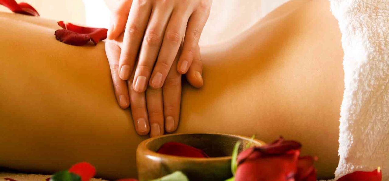 stage-massage-ayurveda_small1-1