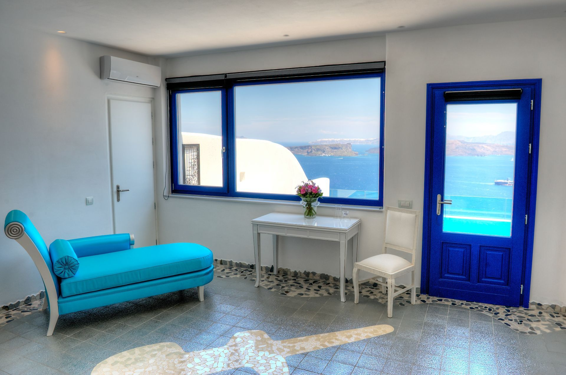 Astarte_Suite_private_infinity_pool_Santorini_A5_