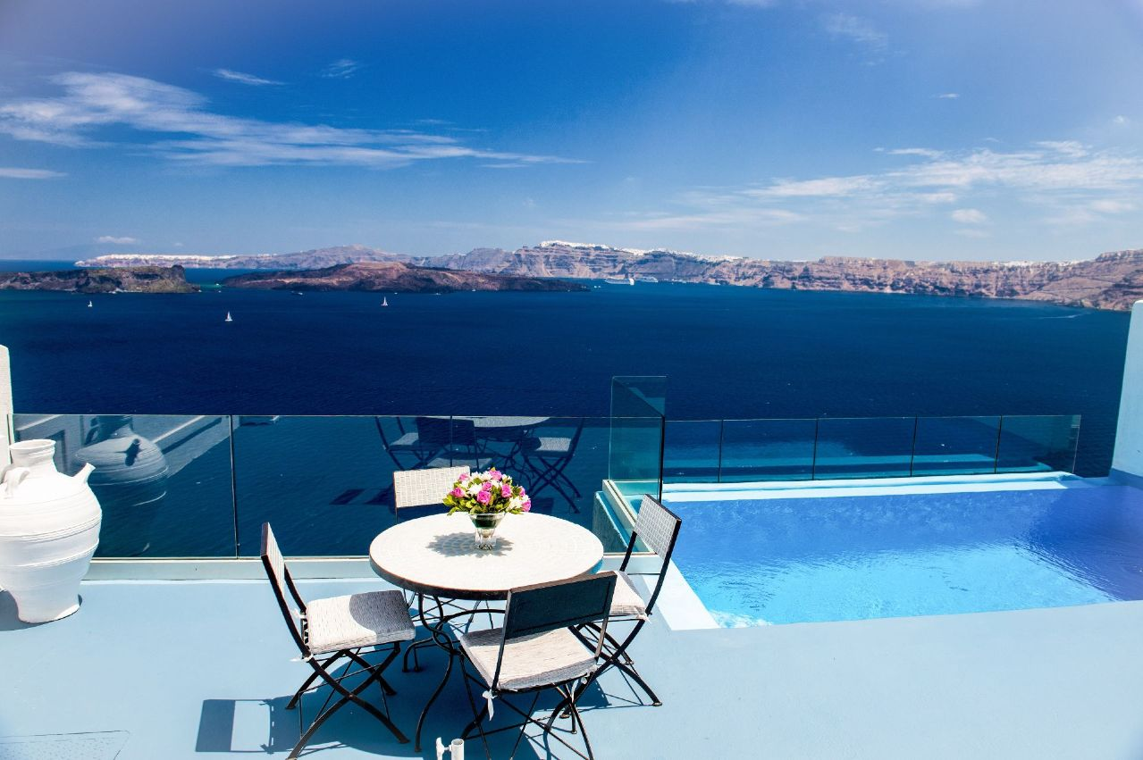 Santorini luxury boutique hotel in santorini astarte suites - Santorini infinity pool ...