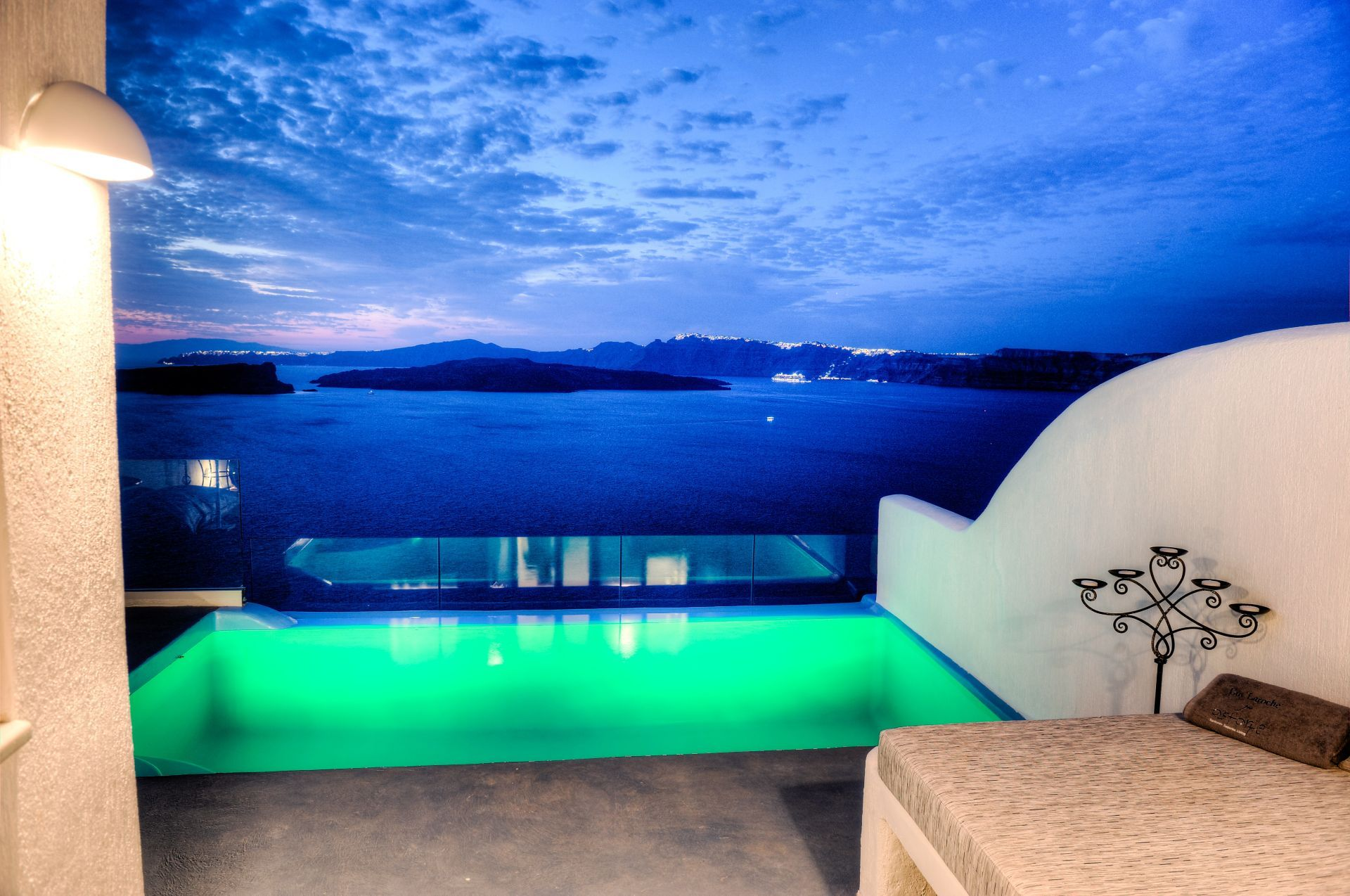 Astarte_Suite_private_infinity_pool_Santorini_A5_at_night