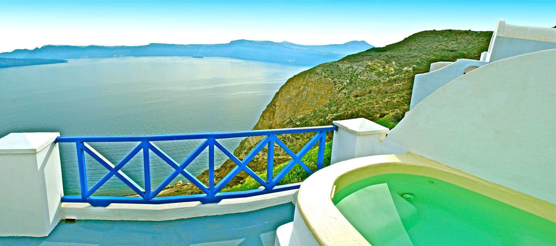 Honeymoon-suite-in-Santorini-Astarte-Suites-jpg