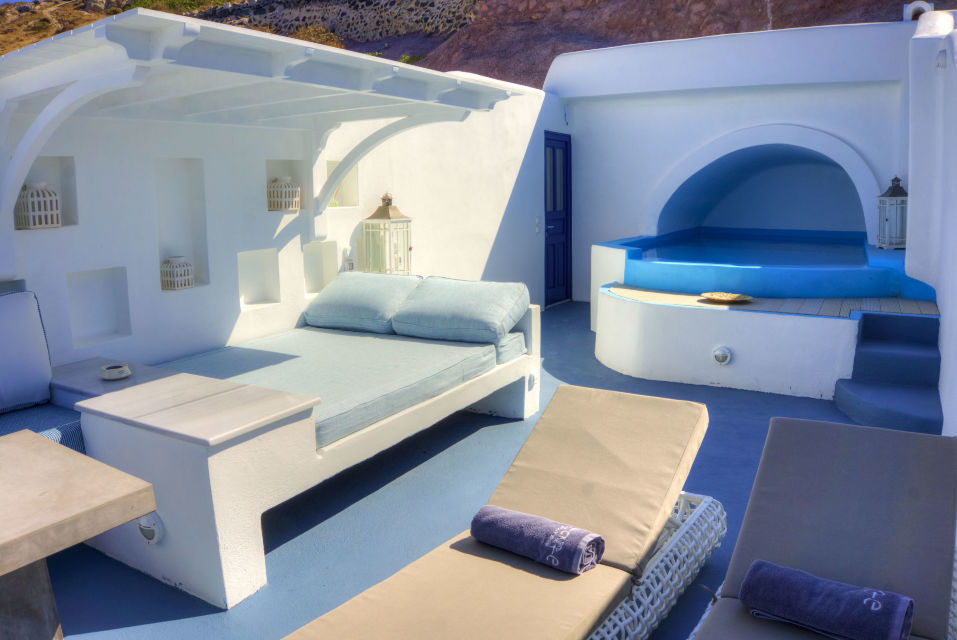 CAVE_POOL_SUITE_-_ASTARTE_SUITES_in_SANTORINI