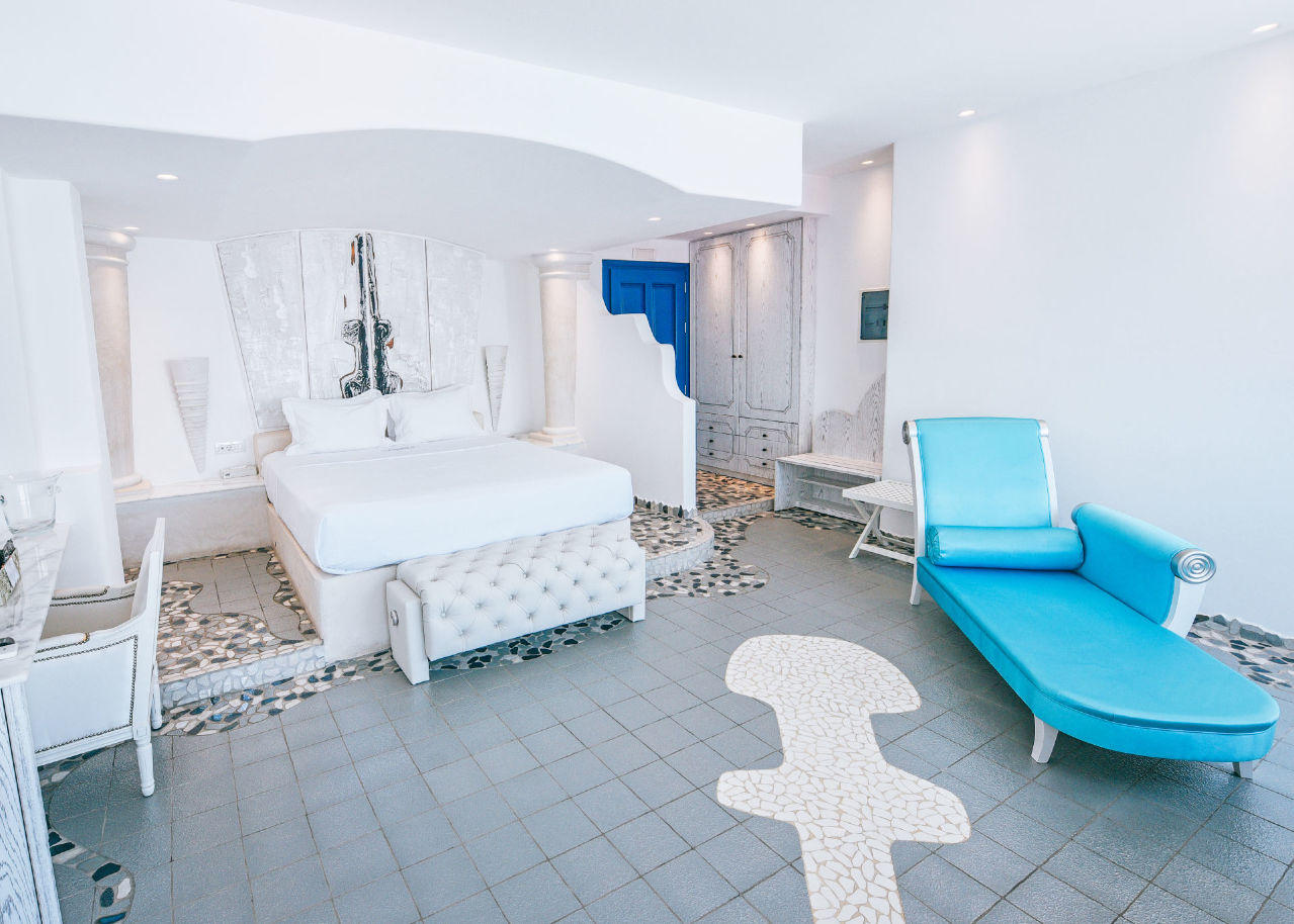 Astarte_suite_with_private_infinity_pool_in_Santorini_-_Astarte_Suites_Hotel