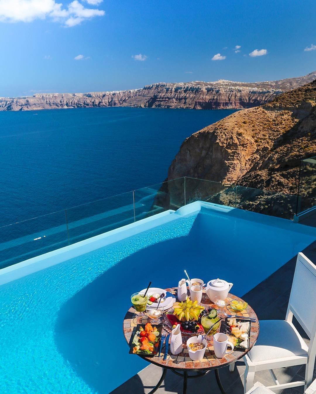 Breakfast_-_Astarte_Suites_Luxury_Hotel_in_Santorini_island