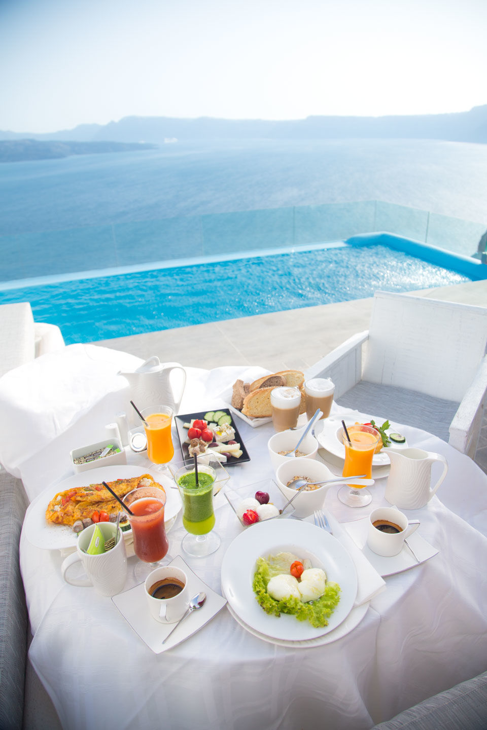 Breakfast_in_Santorini_-_Astarte_Suites_Luxury_Hotel